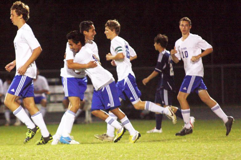 Boys' varsity soccer stops winless skid in final game