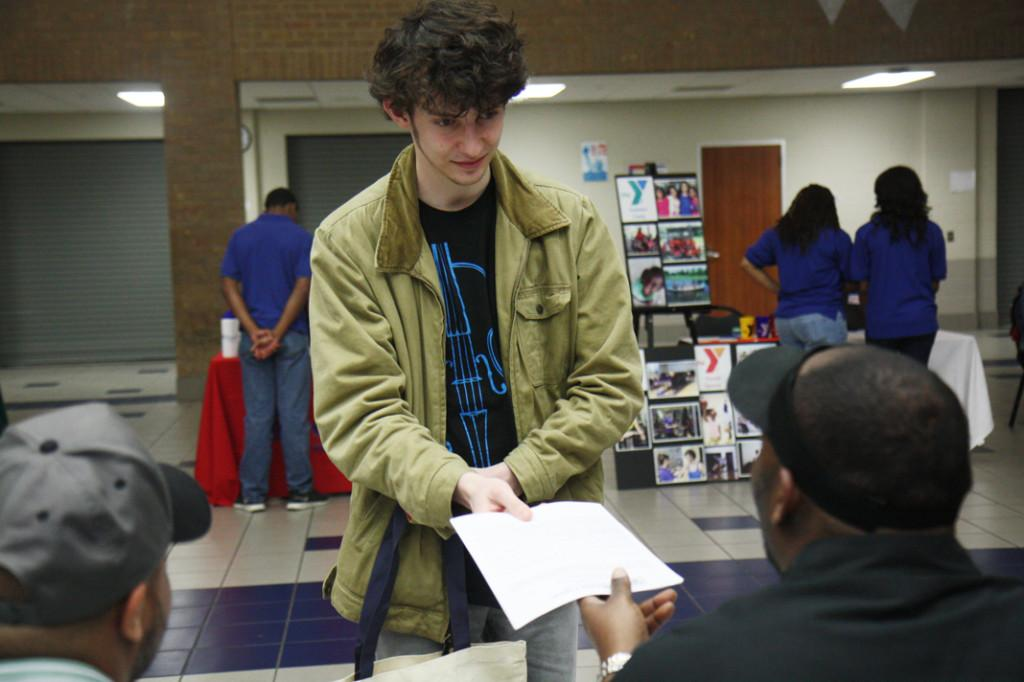 Looking for work: Senior Hollis Jenkins submits an application to a possible employer. He hopes to obtain an internship in computer sciences. Photo by Veronika Schiebler