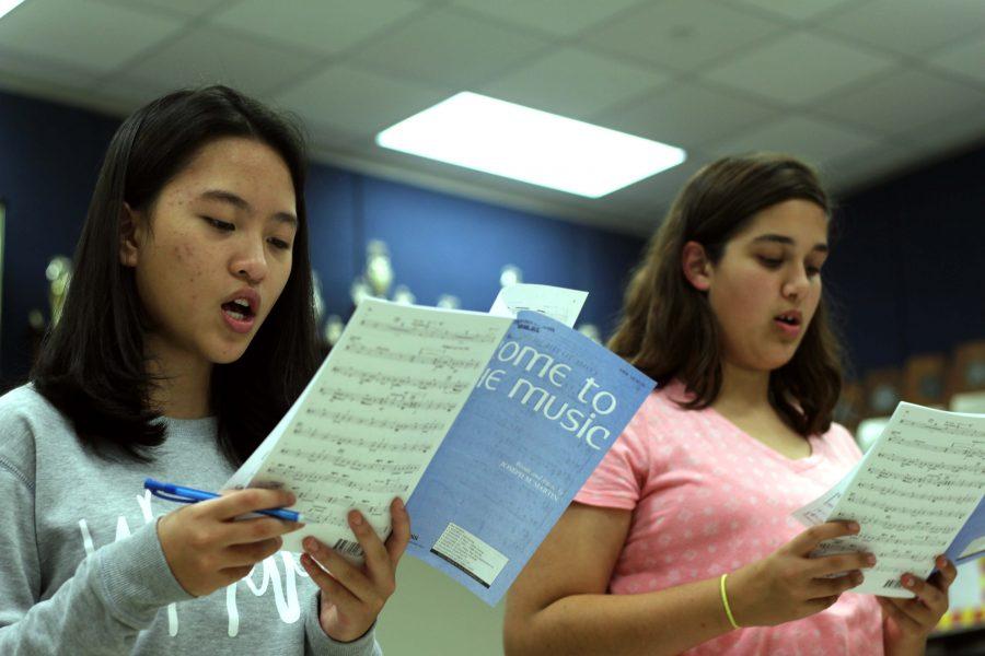 Students+prepare+for+the+TMEA+honor+choir