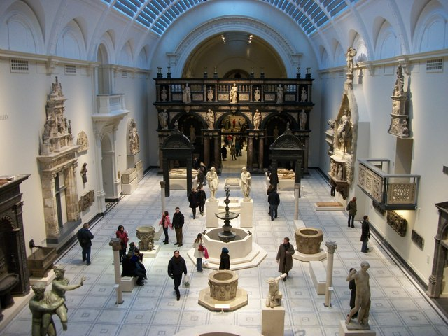 Medieval_and_Renaissance_Galleries_at_the_Victoria_and_Albert_Museum_-_geograph.org.uk_-_1651929