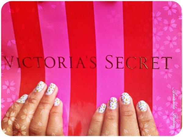 Victorias Secret by Eternity Portifólio is licensed under CC BY 2.0