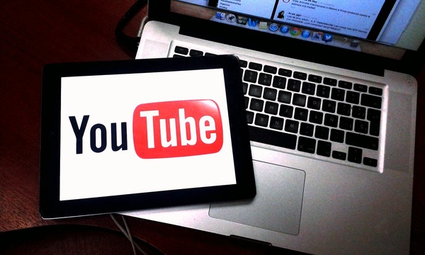 Youtube by clasesdeperiodismo is licensed under CC BY-SA 2.0