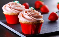 Straw-Berry Good Cupcakes