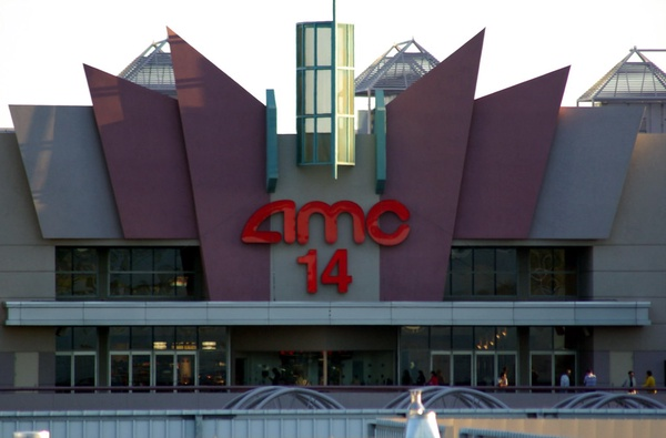 AMC 14 Movie Theater at the Camelback Esplanade by Al_HikesAZ is licensed under CC BY-NC 2.0